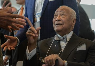 Former NY City Mayor David Dinkins dies at 93 – reports – Reuters UK